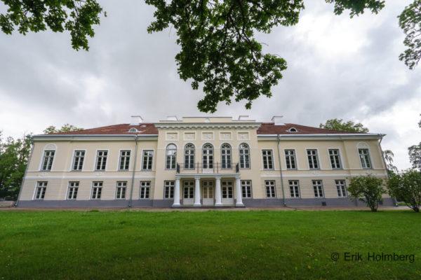 Aruküla mõisa restaureerimine valjas