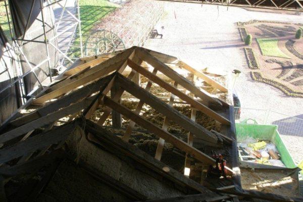 Kadrioru lossi katuse uuendamine puu